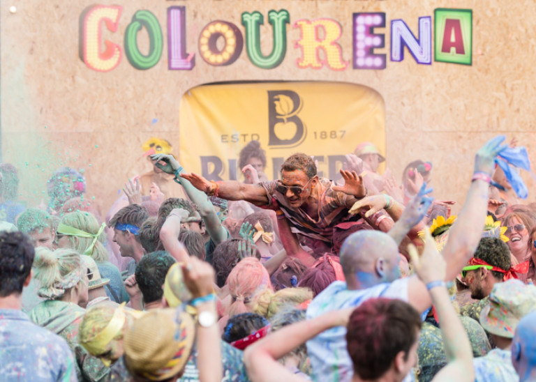Colour Fight – Isle of Wight Festival 2016